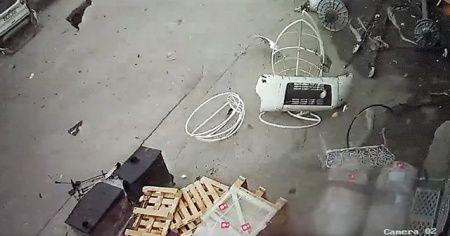 40 saniyelik hortum sanayi sitesini savaş alanına çevirdi