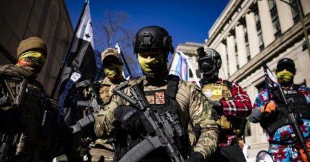 ABD'de silahlı gruplar sokağa indi