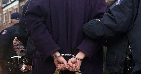 ABD'deki FETÖ okulunun müdürü 'taciz olayını gizlemekten' gözaltına alındı