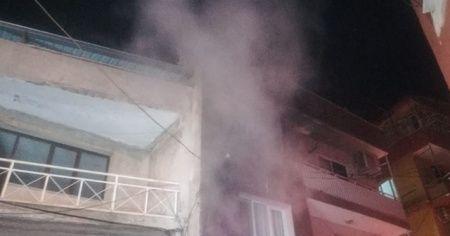 Binadaki yangını fark eden bekçiler faciayı önledi