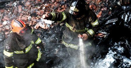 Brezilya'da futbolcuları taşıyan uçak düştü