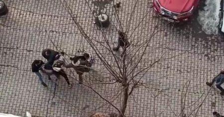 İki aile arasında kavga: Yumruklar havada uçuştu
