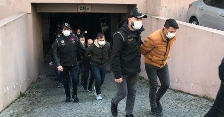 İzmir merkezli FETÖ operasyonda 25 tutuklama