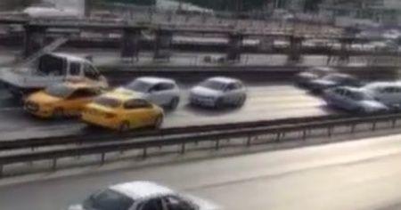 Kısıtlama gününde E-5 karayolunda pes dedirten görüntüler
