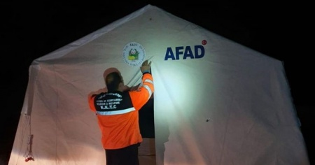 KKTC'de giriş-çıkış kontrolü için çadırlar kuruldu