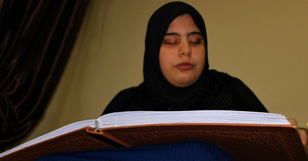 Kur'an sevdası engel tanımadı