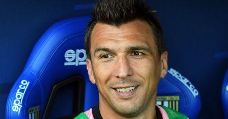 Milan, Mandzukic'i kadrosuna kattı
