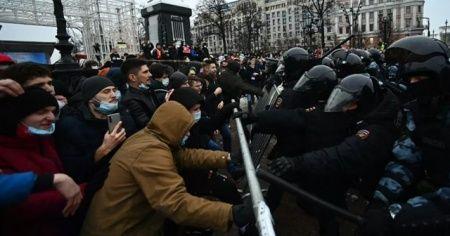 Navalny'in karargah koordinatörü tutuklandı