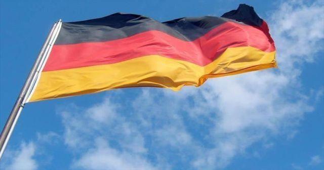 Almanya, Çekya ve Avusturya'nın Tirol bölgesine sınırlarını kapatıyor