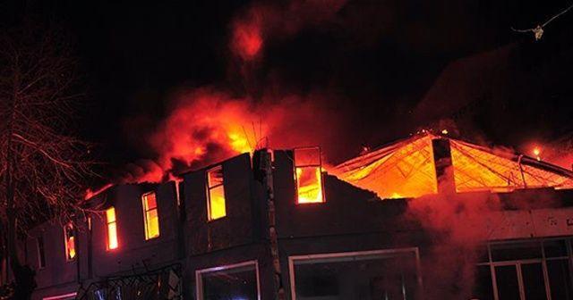 Almanya'da ev yangını: 5 ölü