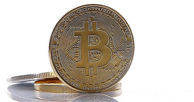 Bitcoin'in piyasa değeri 1 trilyon dolara ulaştı