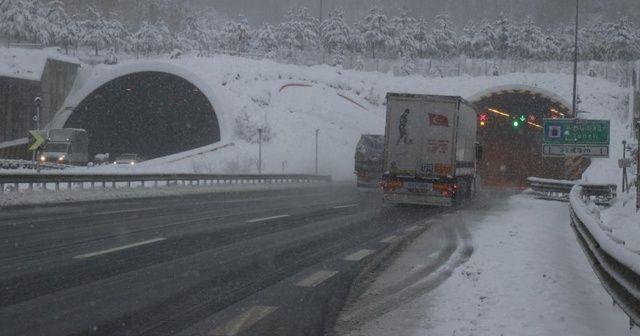 Bolu Dağı'nda kar yağışı etkisini artırdı