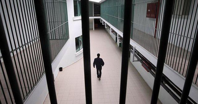 Cezaevinde kendini asarak hayatına son verdi