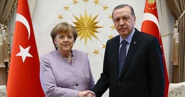 Cumhurbaşkanı Erdoğan, Merkel'le video konferansla görüştü