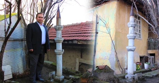 Evin bahçesinde şaşırtan minare