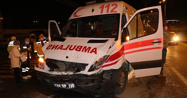 Kaza yapan ambulansta doğum yaptı