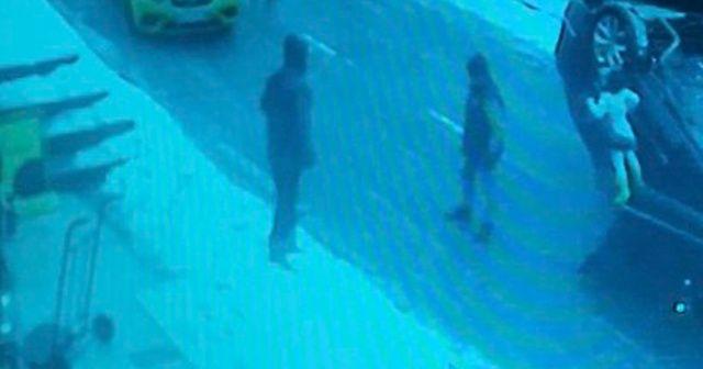 Sarıyer'de çocuklu ailenin dehşeti yaşadığı kaza kamerada