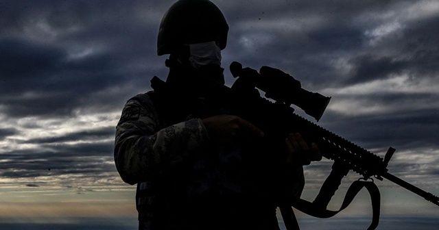 Türkiye'ye girmeye çalışan 2'si terör örgütü üyesi 9 kişi yakalandı
