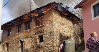 96 yaşındaki kadın yangında hayatını kaybetti