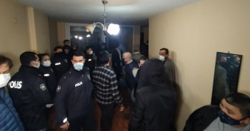 Adana'da gece yarısı kumarhane baskını