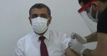 Aşı olan milletvekili, korona virüse yakalandı