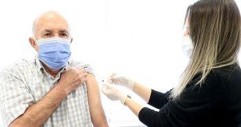 Aşıyla 65 yaş grubuna sokak serbest olacak