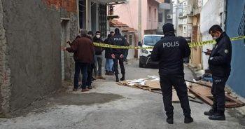 Evinde boğazı kesilmiş halde bulunan kadın hayatını kaybetti