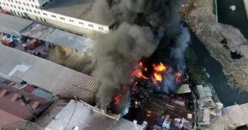 Geri dönüşüm tesisindeki yangın söndürüldü