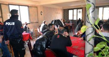 Gizli geçitli kahvehanede basılanlara 1 milyon 758 bin lira pandemi cezası
