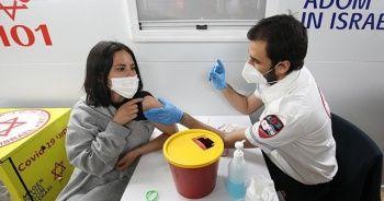 İsrail'de nüfusun yarısı aşılandı