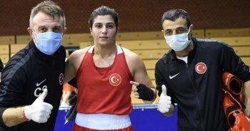 Macaristan'da iki mili boksör finale kaldı