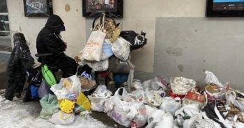 New York'ta evsizler, kar fırtınası ile mücadele ediyor