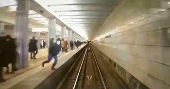 Rusya'da metro istasyonunda dehşet anları