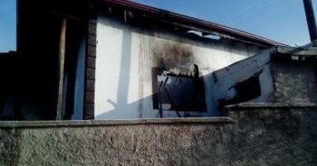 Yangında mutfak tüpü patladı: 2 ölü
