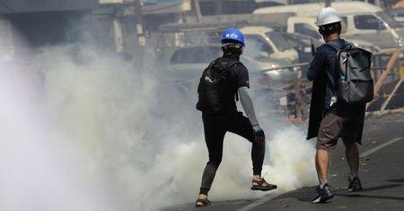 BM: Myanmar'daki protestolarda en az 18 kişi öldürüldü