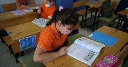 Çocuklar okula gitmek istiyor