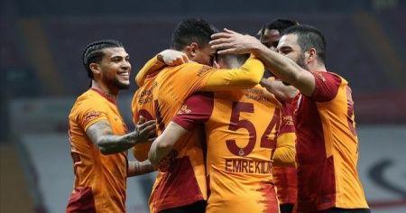 Galatasaray sahasında Erzurumspor'u 2-0 mağlup etti
