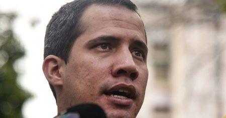 Guaido, 15 yıl boyunca kamu görevlerinden men edildi