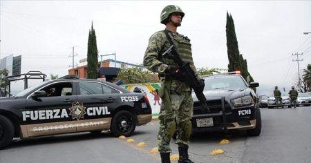 Meksika'da polis kartel üyeleriyle çatıştı: 5 ölü
