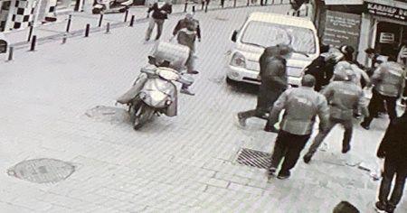 Polisten kaçan şüpheliye vatandaştan darp