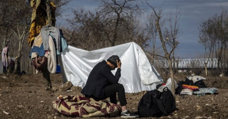 Yunanistan'ın Midilli Adası'ndaki hamile bir Afgan sığınmacı kendini yaktı