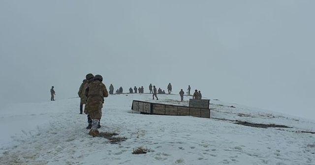 Askeri helikopterin düştüğü bölgede çalışmalar zorlu şartlarda devam ediyor