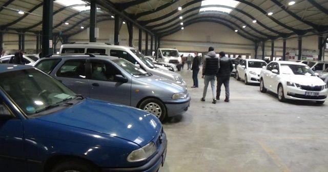 Aylar sonra ikinci el oto pazarı açıldı