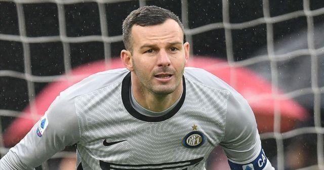 Inter'in kalecisi Handanovic'in Kovid-19 testi pozitif çıktı