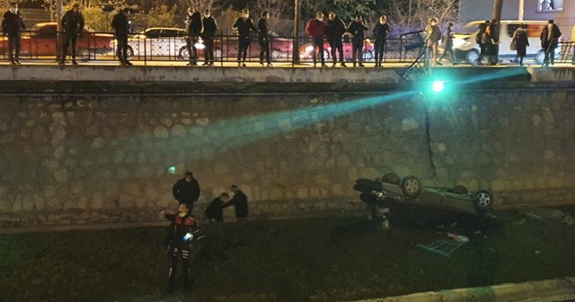 Kaza sonrası vatandaşlar sosyal mesafeyi unuttu