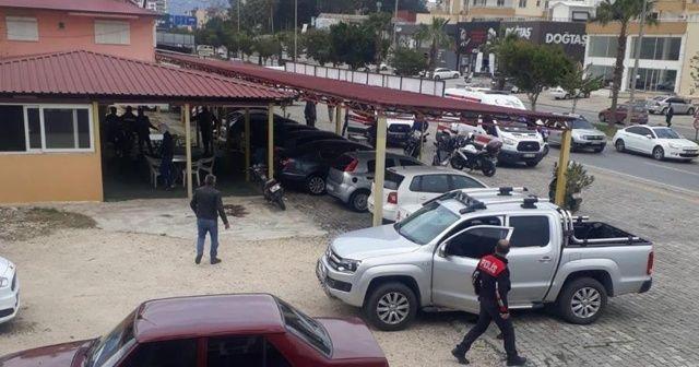 Oto galeriye silahlı saldırı: 1 ölü, 2 yaralı