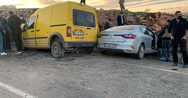 Şırnak'ta iki araç kafa kafaya çarpıştı