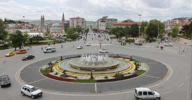 Sivas'ta korkutan hareketlilik: Maviden uzaklaşıyor