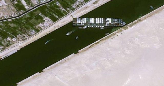 Süveyş Kanalı'nda karaya oturan geminin sahibi özür diledi