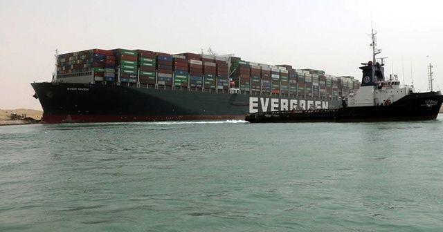 Süveyş Kanalı'nda kurtarma çalışmaları sürüyor